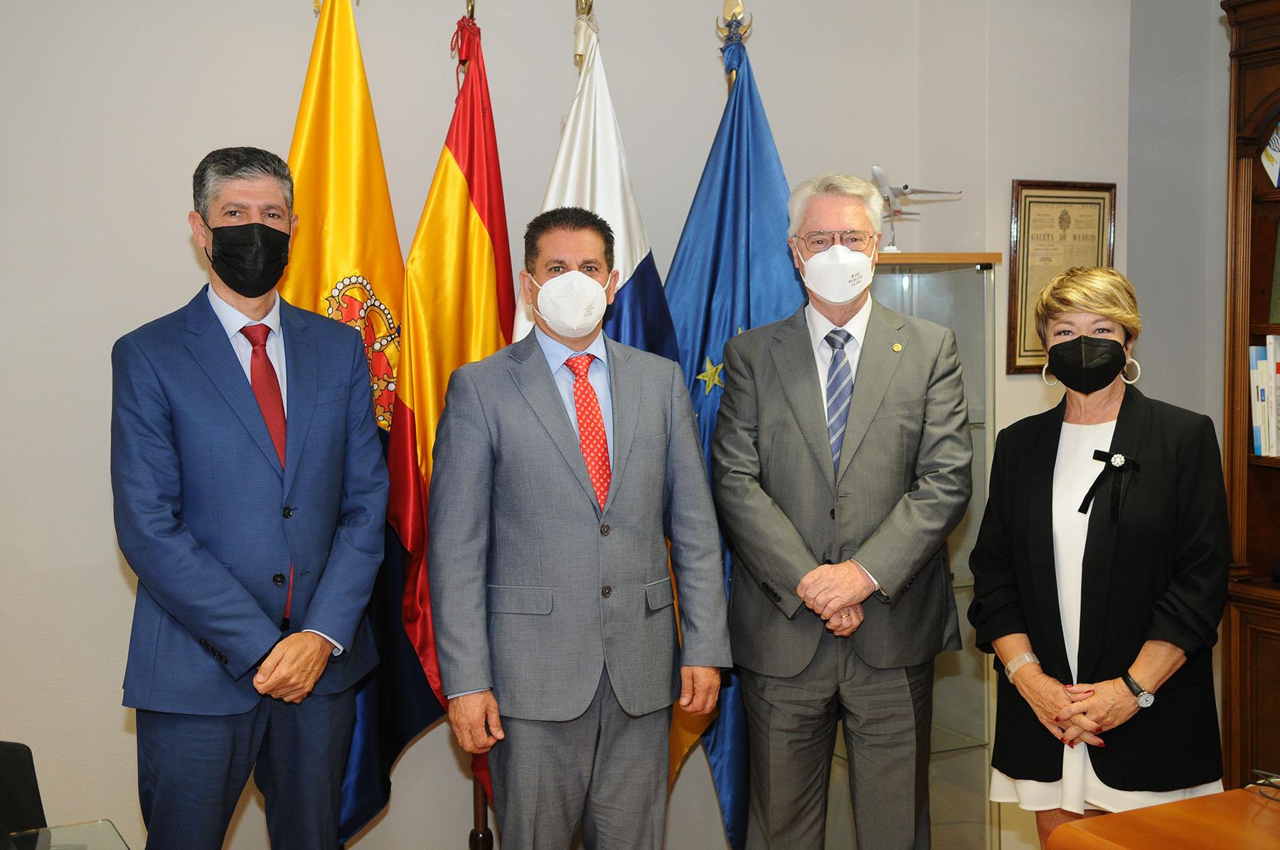 Visita del viceconsejero de Acción Exterior, Juan Rafael Zamora, a la Cámara de Comercio