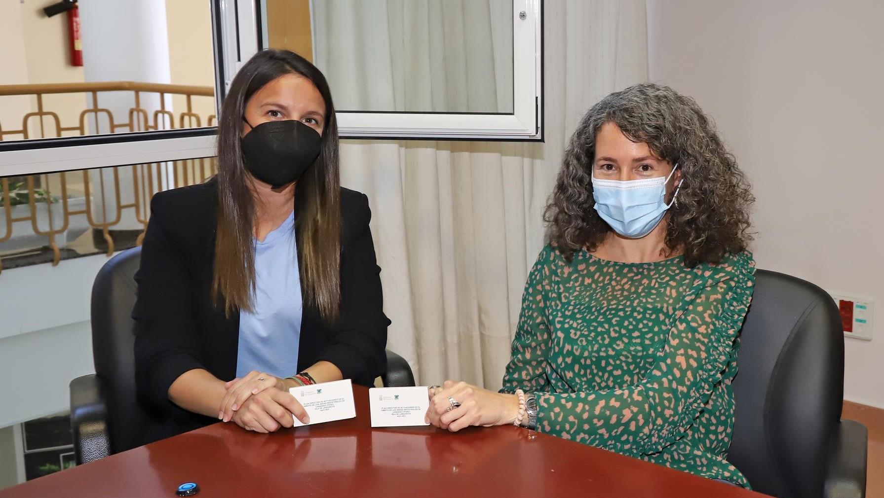 Yolanda Luaces y Ariagona González.