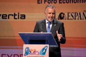 Ángel Víctor Torres, durante su intervención.