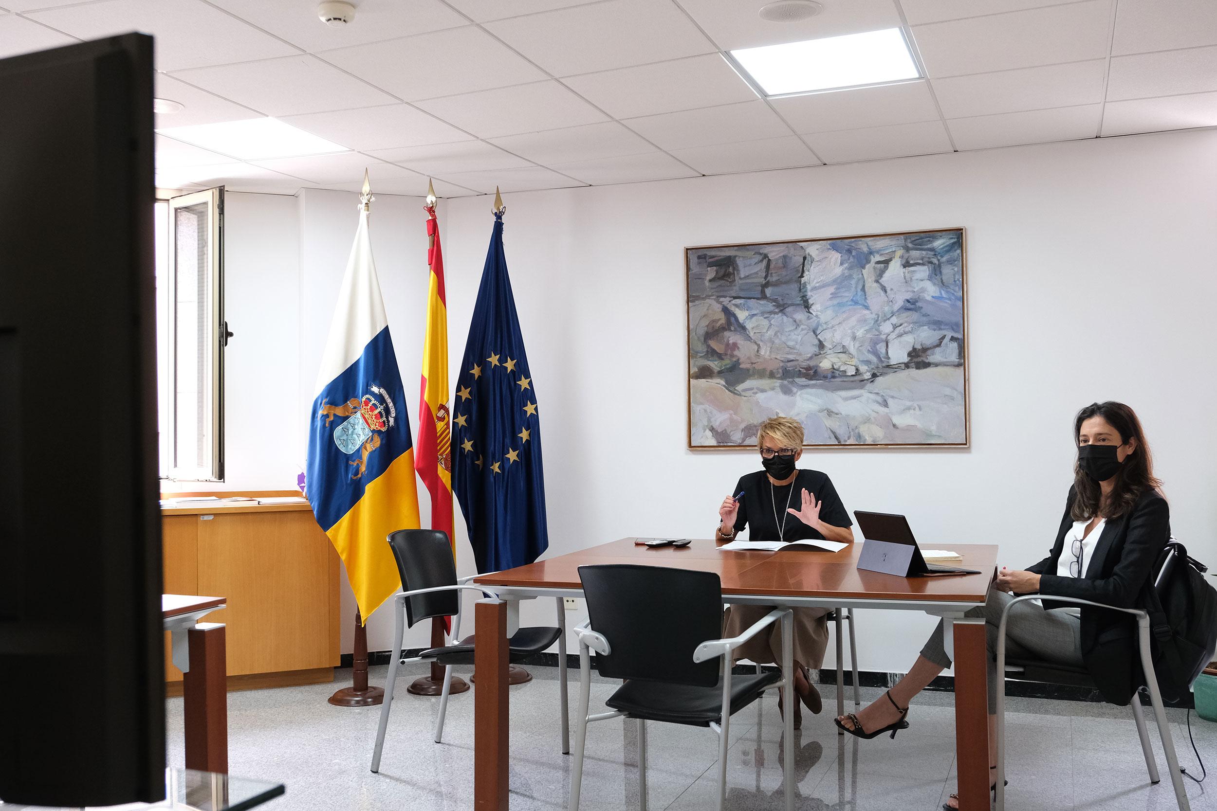 Elena Máñez y Dácil Domínguez