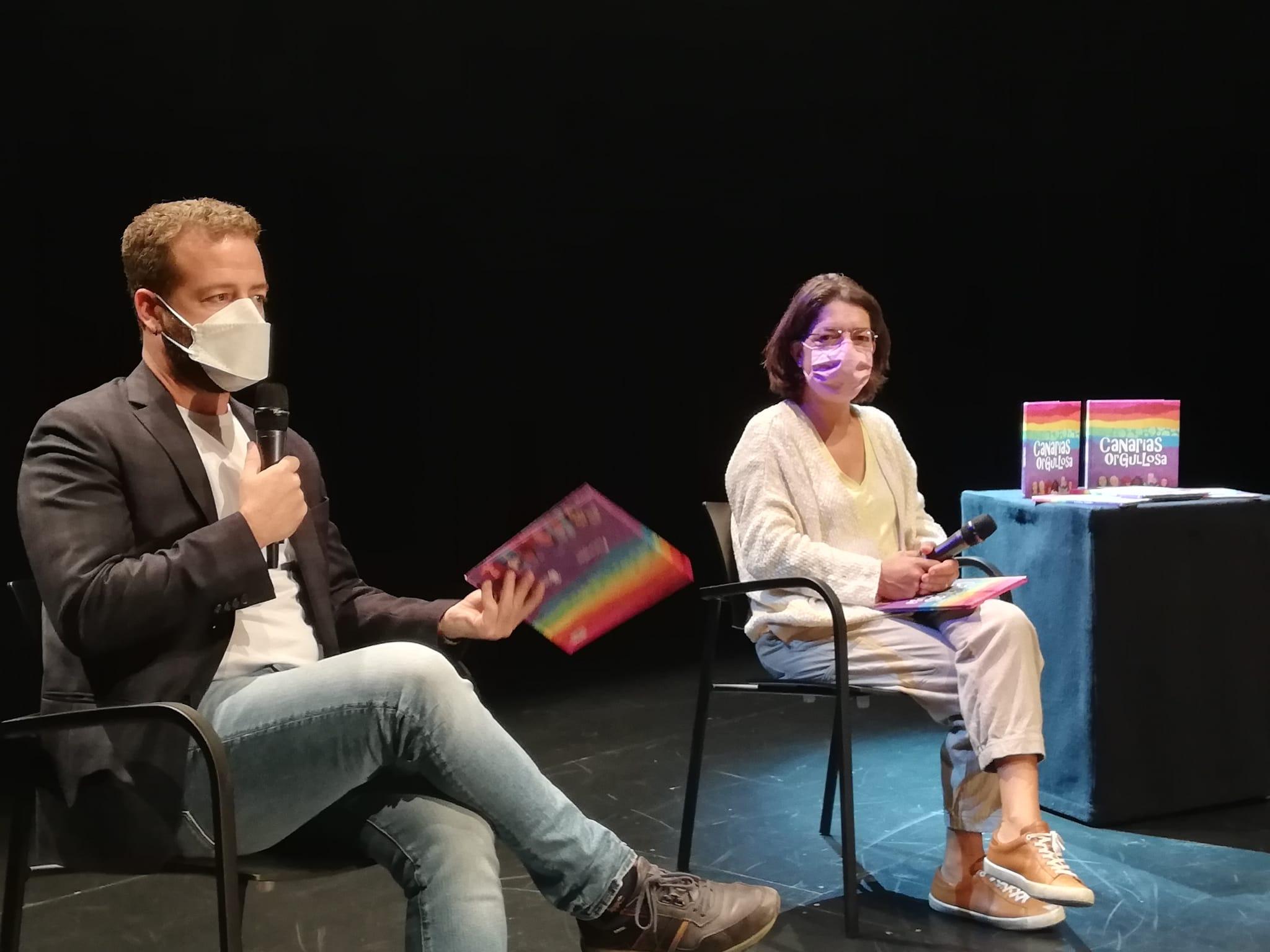 Juan Márquez y Silvia Jaén presentan el libro Canarias Orgullosa