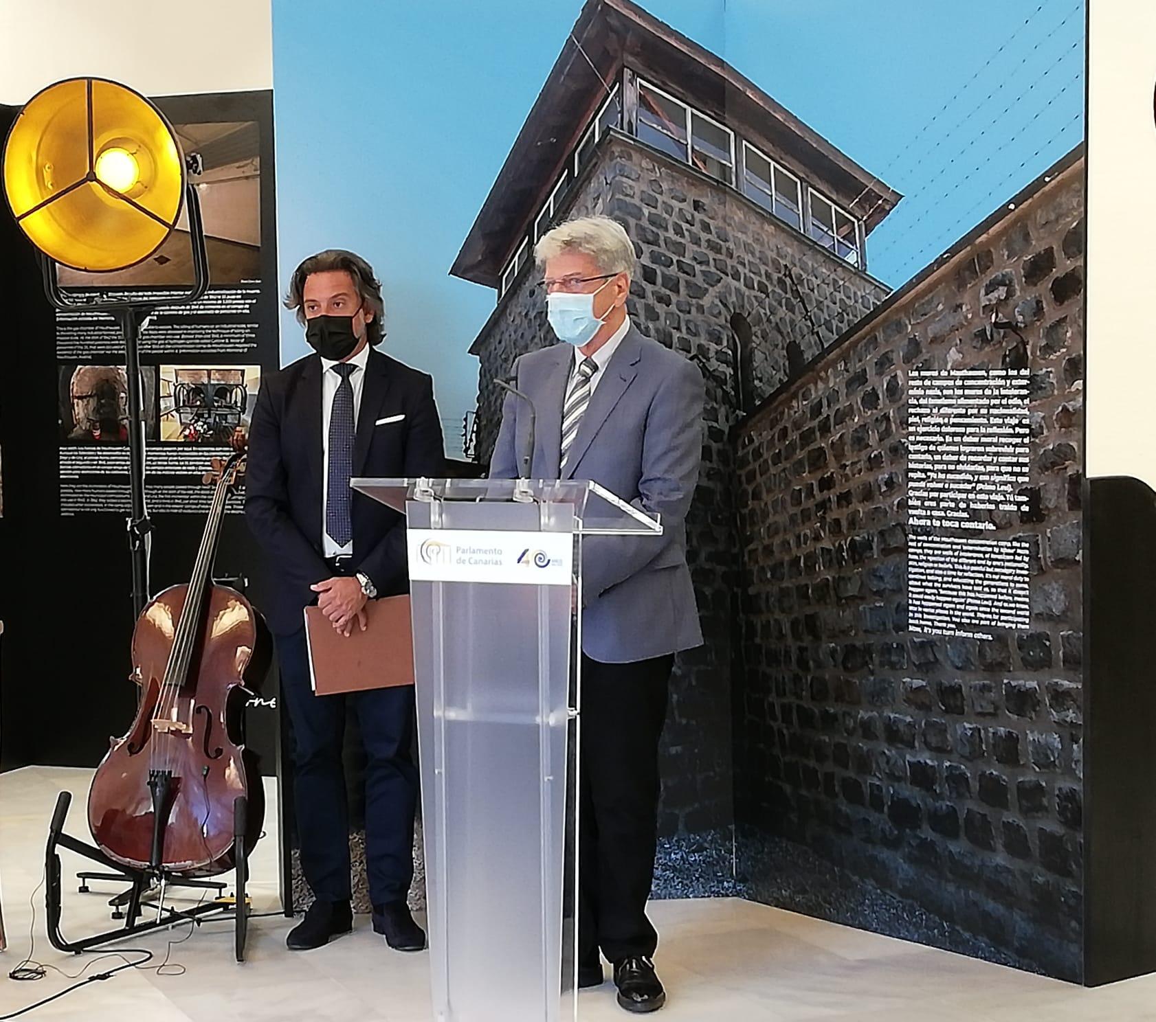 Gobierno y Parlamento homenajean a los canarios del campo de concentración de Mauthausen