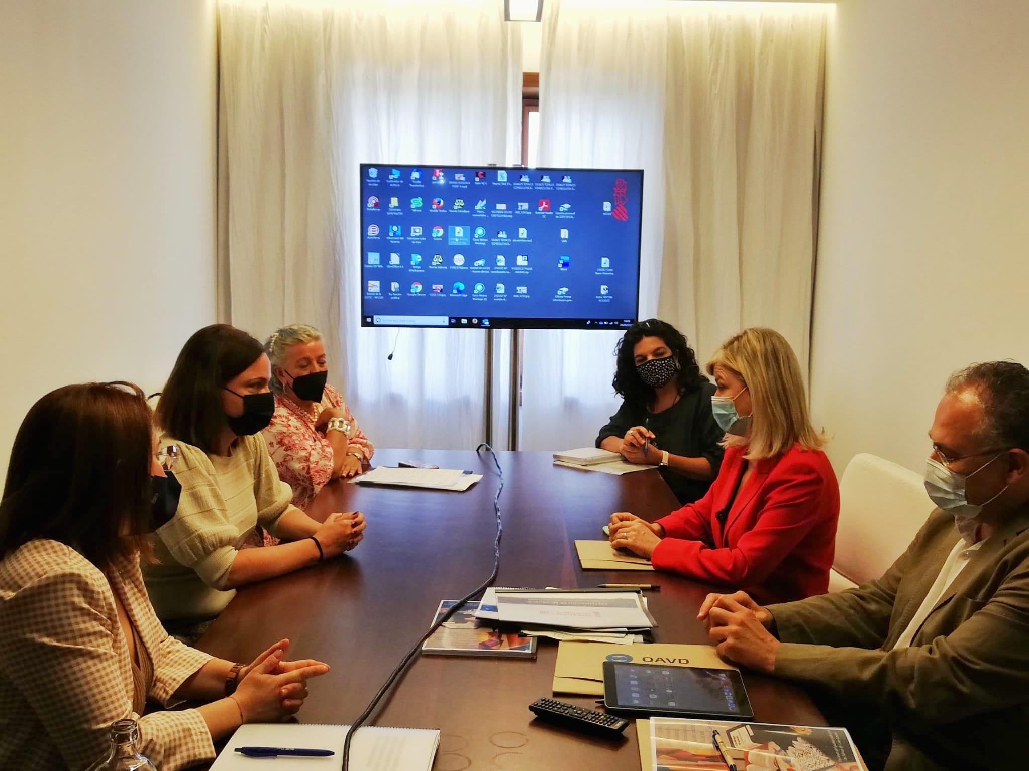 Gobierno canario y Generalitat Valenciana abogan por crear una jurisdicción especializada en menores víctimas