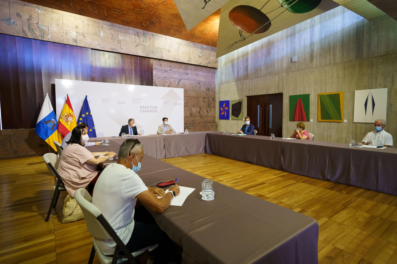 El Gobierno de Canarias y el Cabildo de Tenerife ultiman un convenio para ampliar en 47.000 metros cuadrados la superficie del hospital del Sur