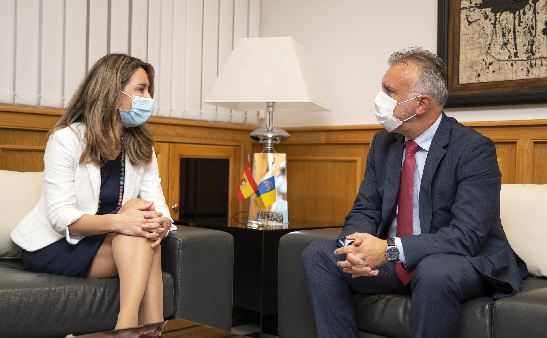Ángel Víctor Torres y Xiana Méndez, reunidos hoy en Presidencia.