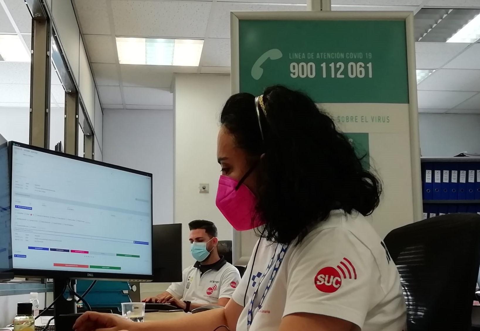 Sanitarios en la línea COVID