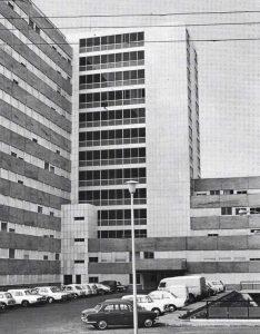 Edificio del HUC en 1971
