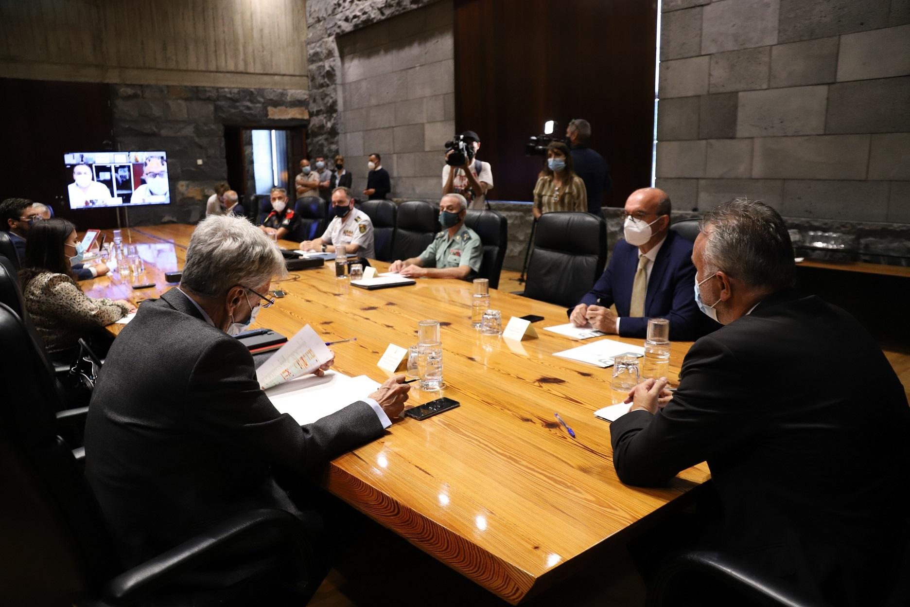 Torres anuncia la convocatoria de la Junta de Seguridad este viernes y refuerza su mensaje de máximo rigor con las normas para vencer al virus