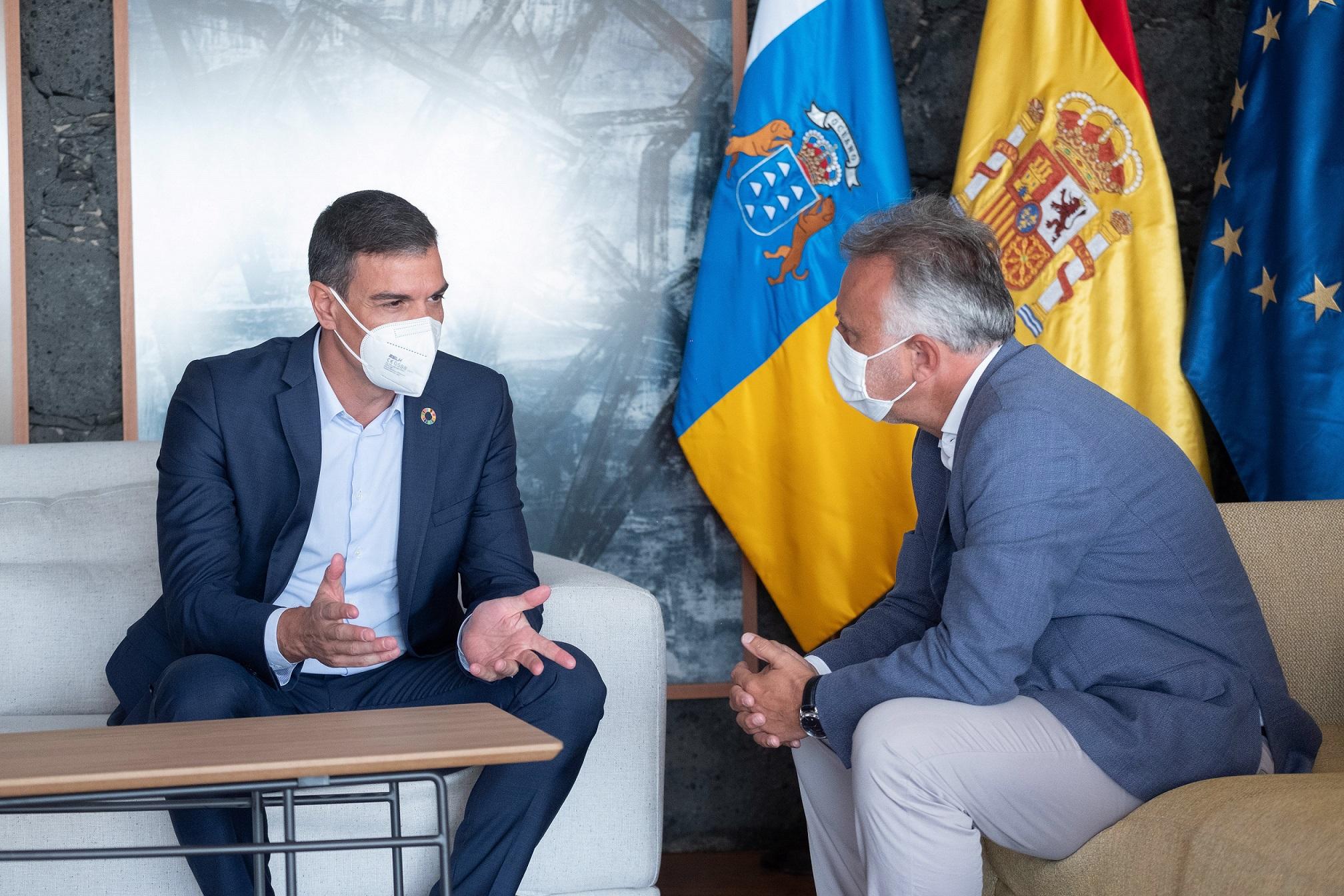 Reunión de los presidentes Ángel Víctor Torres y Pedro Sánchez