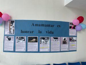 Pancarta sobre lactancia materna.