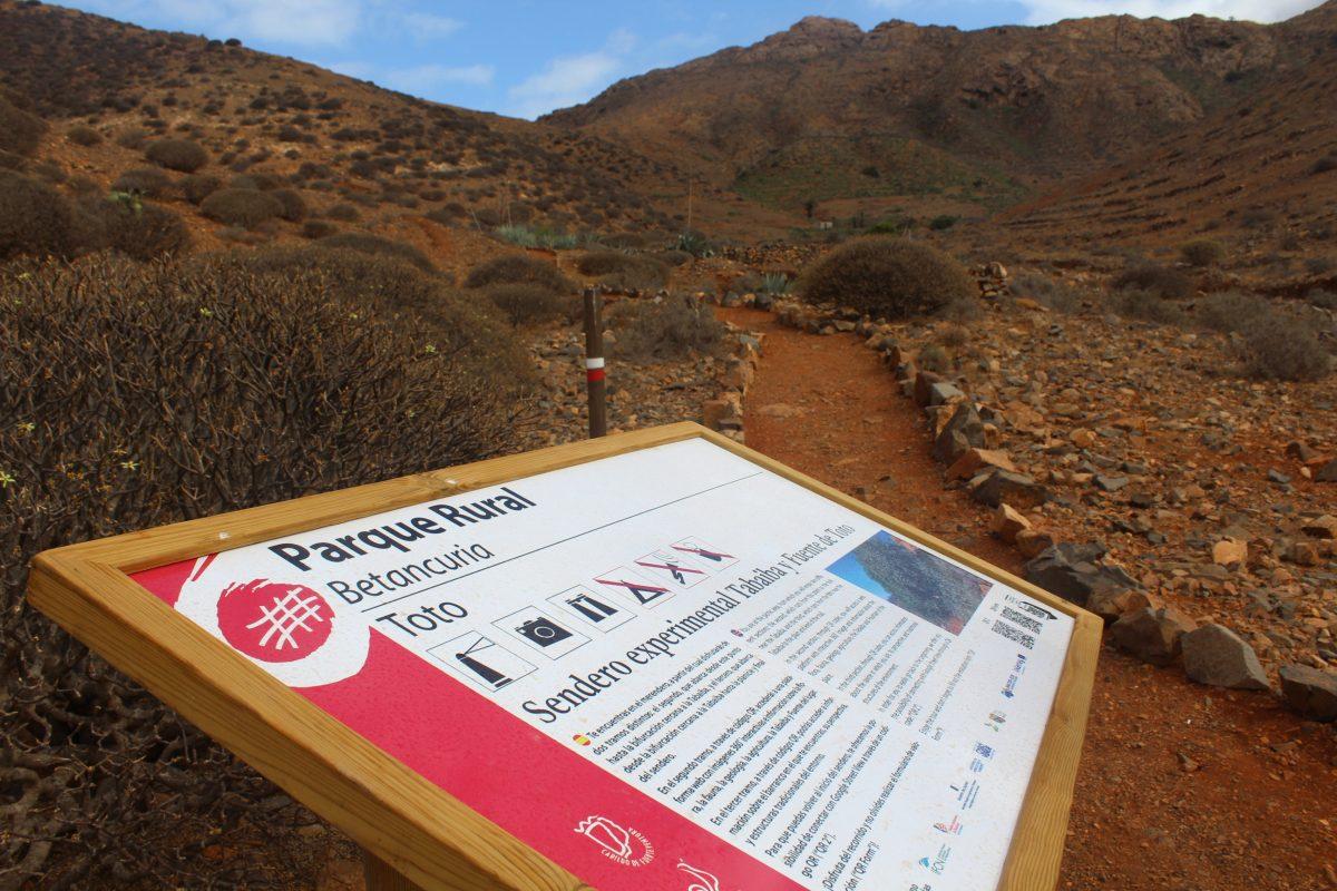 Cartel del sendero Toto de Fuerteventura